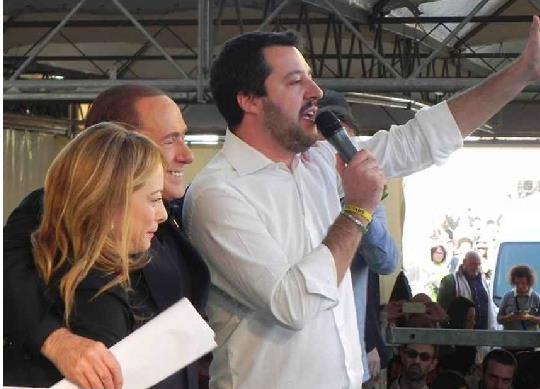 Berlusconi: governo Lega-M5s innaturale, torni il centrodestra
