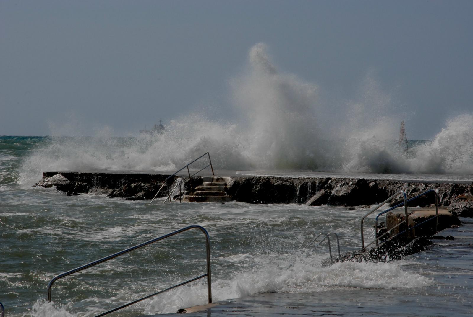 Livorno divieto temporaneo di balneazione Accademia Sud  e Rio Felciaio