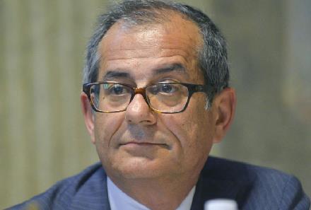 Giovanni Tria interviene in merito allo spread e al crescente nervosismo dei mercati sull'Italia.