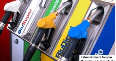 Benzina, Codacons: prezzi sfondando 2 euro al litro in autostrada 1