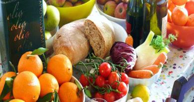 """Da Lancet una dieta """"universale"""": salva la salute e il pianeta"""