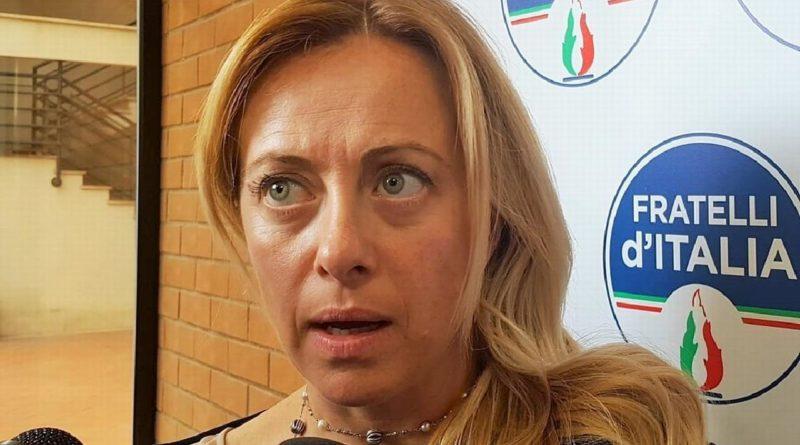 Giorgia Meloni a Livorno e si scontra con i soliti dei centri sociali