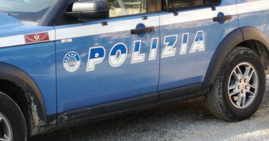 polizia fermate tre persone