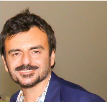 Per Davide de Marinis nuovo tour e nuovo look