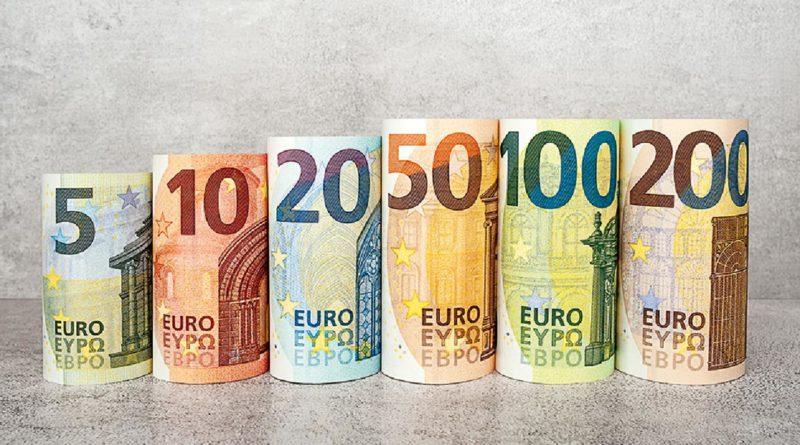 Censis, il 64,1% degli italiani accantona soldi. Boom del cash