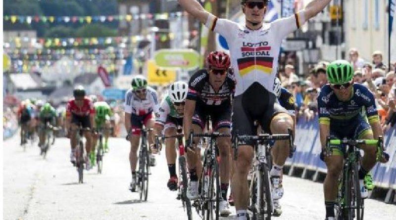 Giro del Delfinato  la terza tappa del Le Puy en Velay-Riom vittoria a Sam Bennett