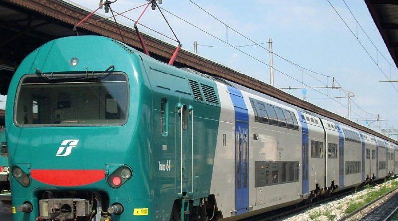 Caos treni tra Roma e Firenze con elevati ritardi per l'incendi dolosi
