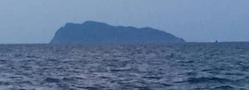 Elicottero cade in mare nel Livornese