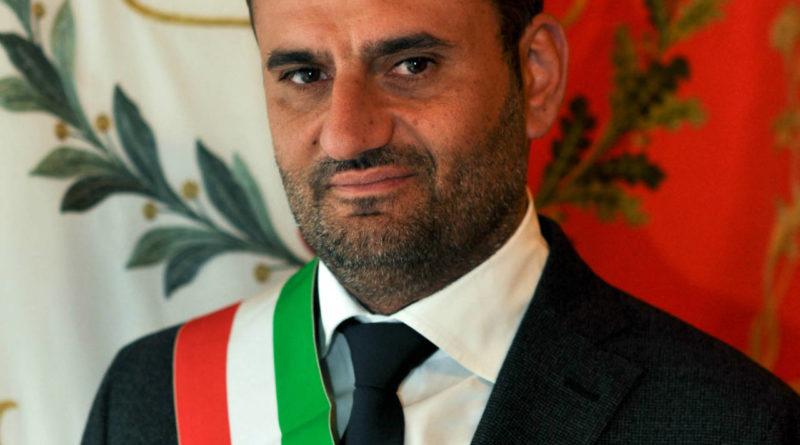 Comuni, Decaro confermato presidente dell'Anci all'assemblea di Arezzo