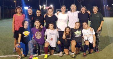 Rugby: la squadra femminile Lions (con 3 rinforzi) vince il raggruppamento touch a Pontedera