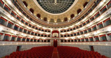 Il Teatro Goldoni di Livorno chiude gli uffici e la biglietteria. Le nuove date degli spettacoli