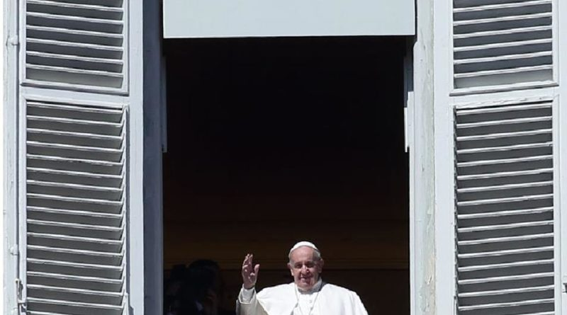 L'invocazione di Papa Francesco Proteggi questo Paese