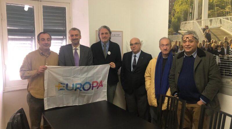 +Europa: il ritorno della Bonino,Della Vedova confermato segretario